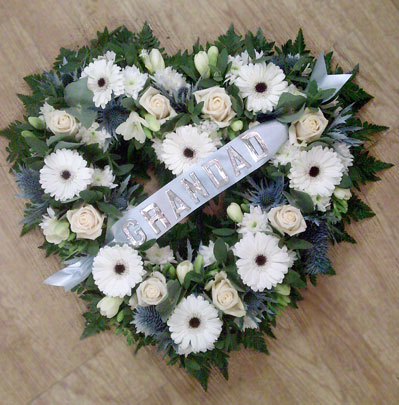 Funeral Flowers Bolton, open heart (1)